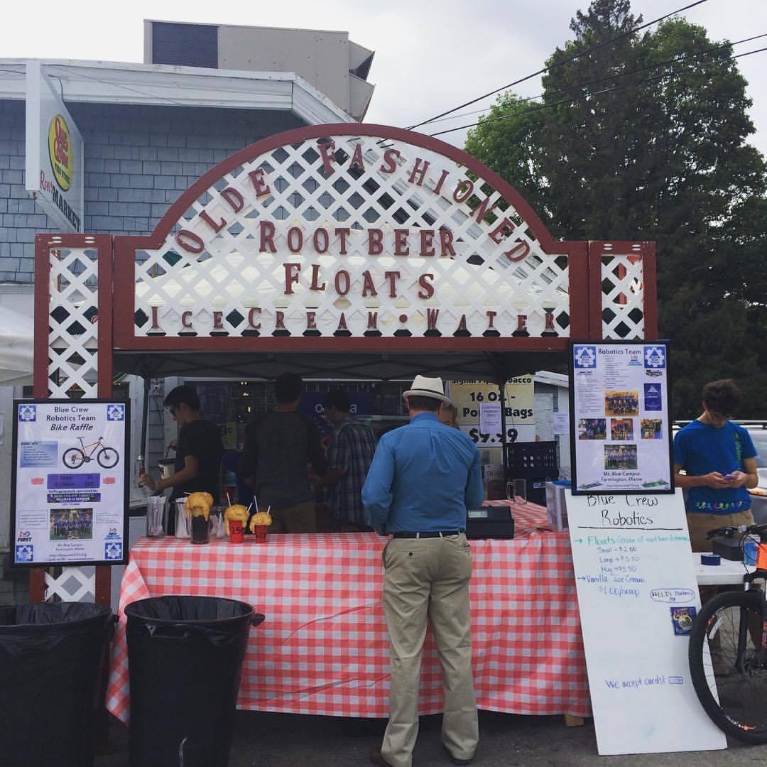 The Float Stand at The Farmington Fair